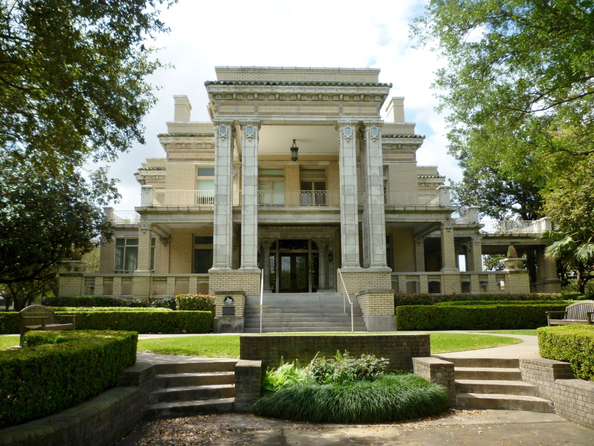 Link-Lee Mansion on the University of St. Thomas in Houston