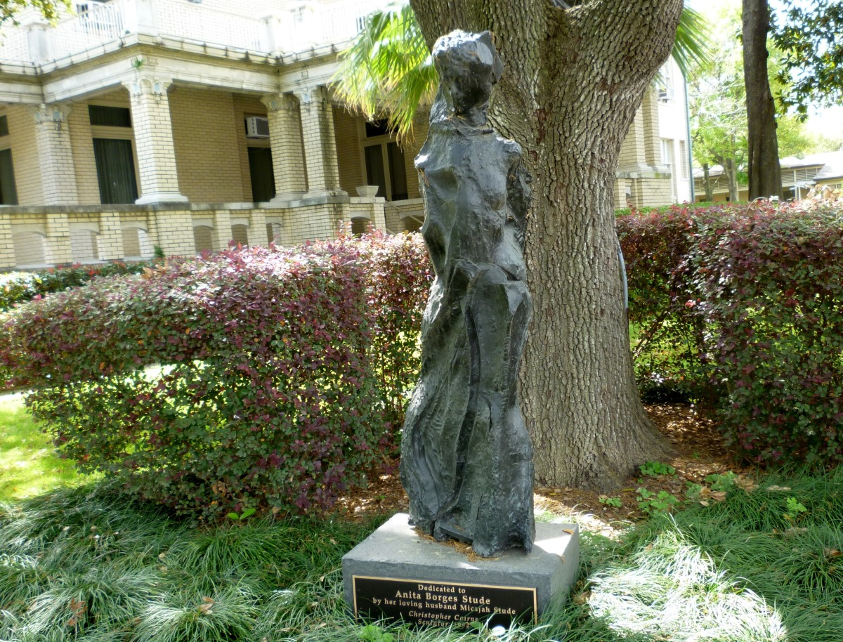 Cast bronze sculpture by Link-Lee Mansion