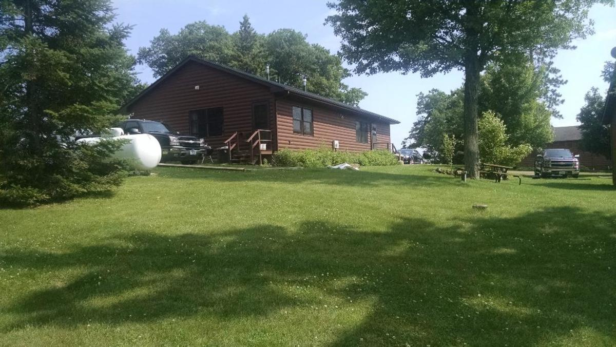 One of the large cabins at Deerfoot Lodge.