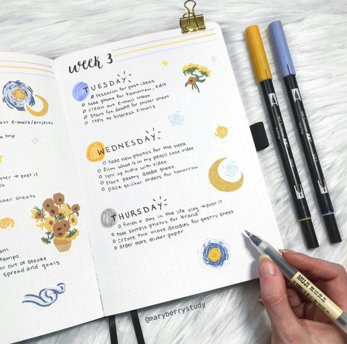 i cant find the og owner of this bullet journal spread, but it's so cute!