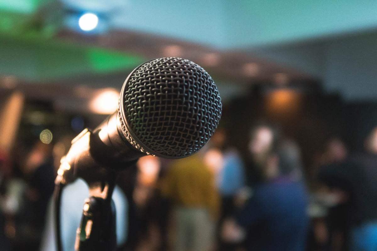 ways-to-become-a-better-public-speaker