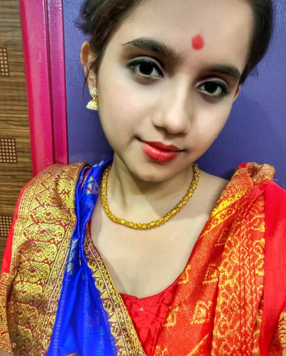 How to Get a Bengali Look( Makeup and Saree)
