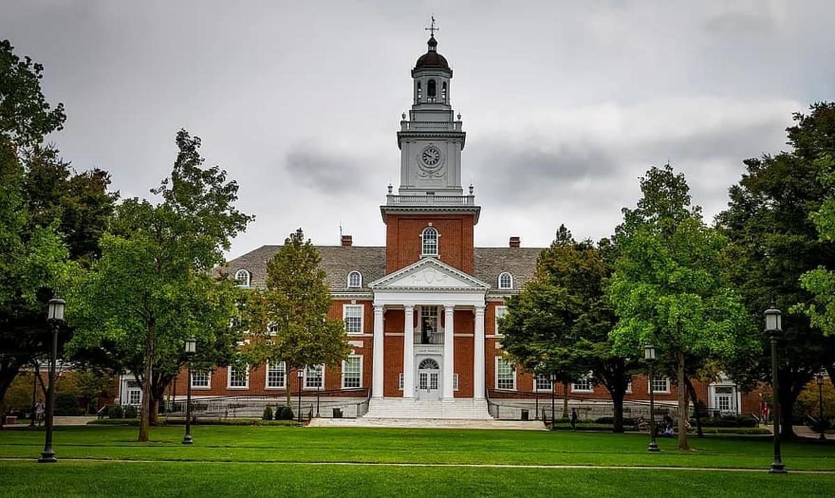 Johns Hopkins (CC-BY)