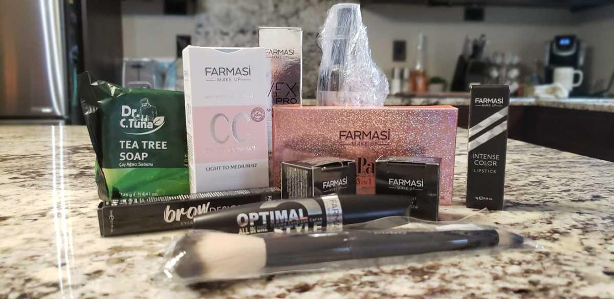 My first order of FARMASi makeup.