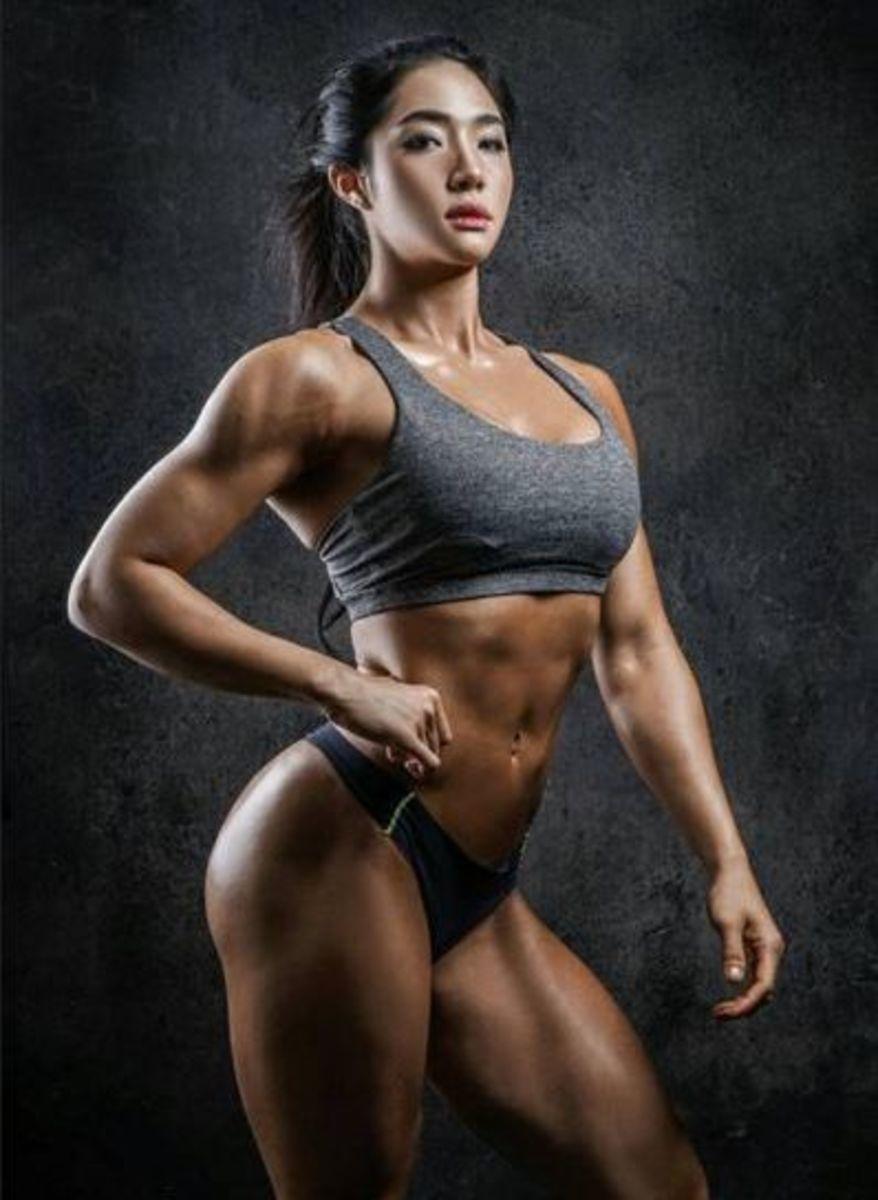 Korean fitness model and fitness instructor Lee YeRin.