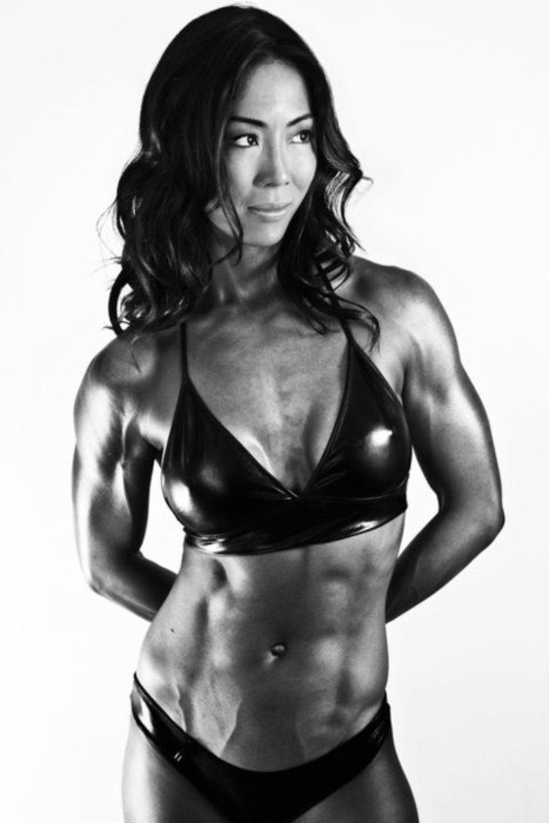 Christine Chou - Asian fitness model