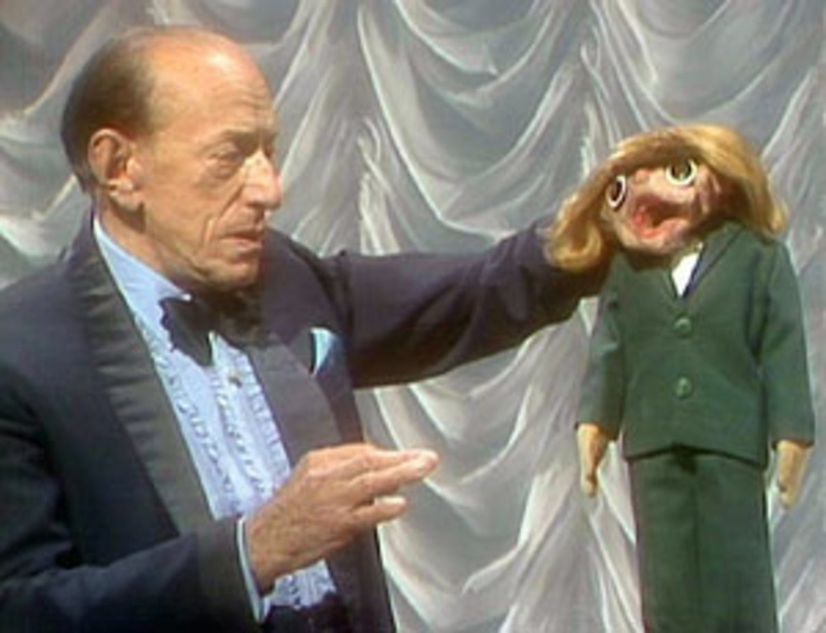 Senor Wences appearing on The Muppets Show, 1980