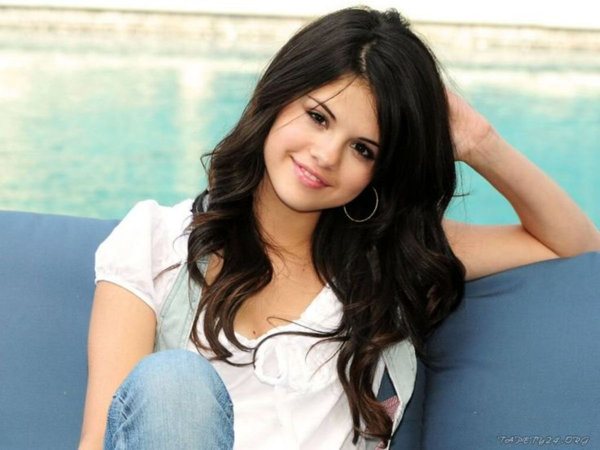 Selena Gomez was one of the most generous celebrity contributors to charity in 2012.