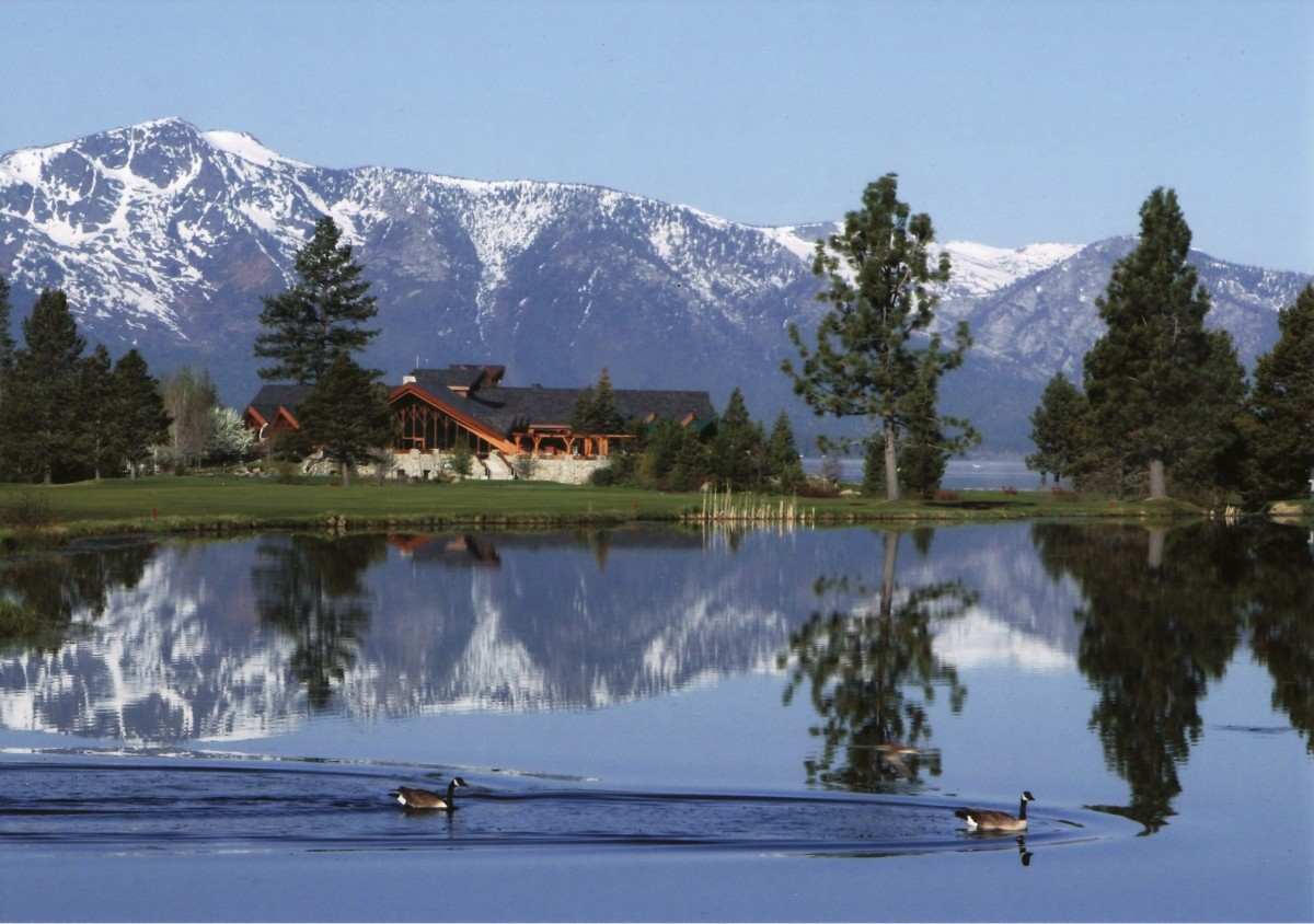 The Edgewood Golf Club on Lake Tahoe in Stateline, NV (C) Chris Frey - 2007