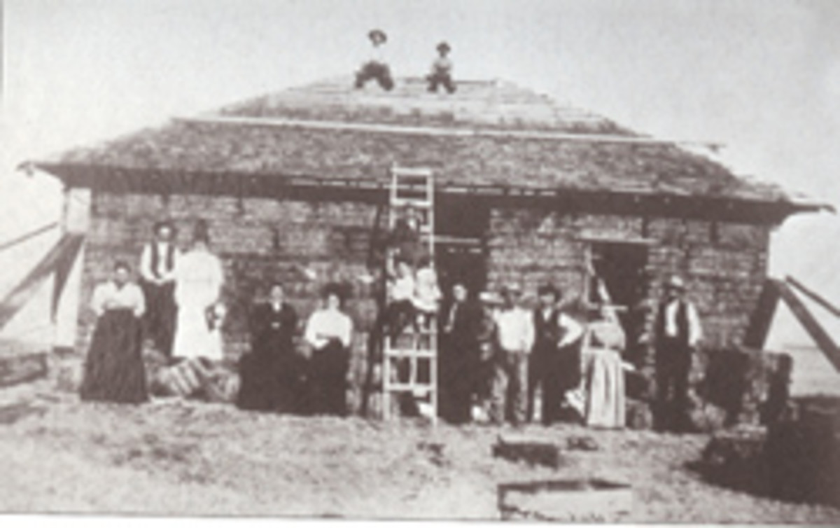Straw bale construction circa 1900