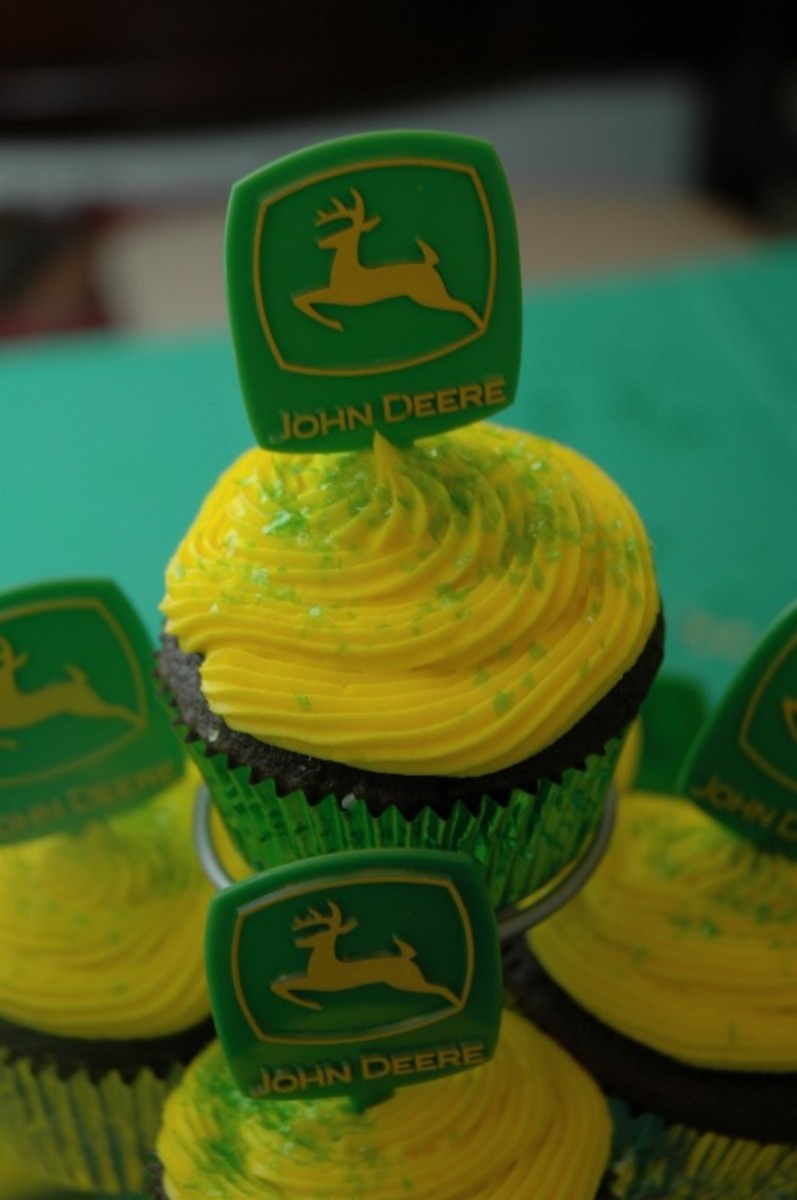 Yummy cupcakes with John Deere Cupcake picks!