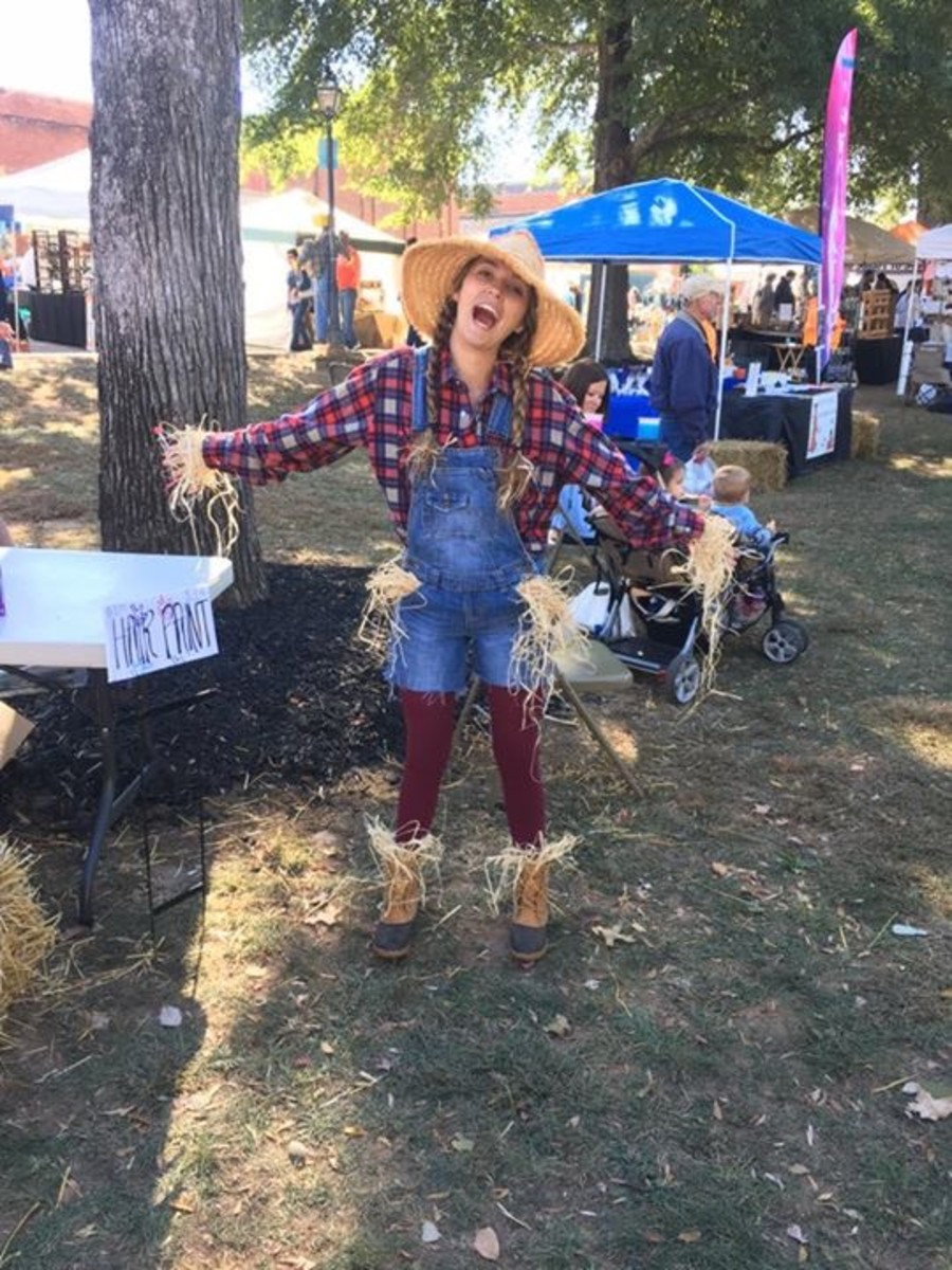 Pendleton Loves Fun, Creative Scarecrows