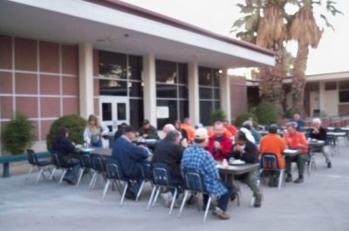 Four full meals were included in the conference fee. Most of the tables were located in a sunny courtyard.