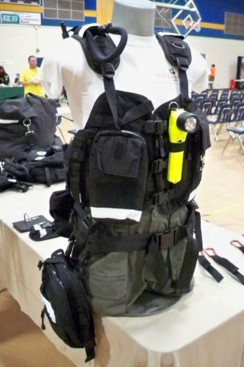 Combination chest harness/hydration pack/fanny pack (and more) from Wolfpack Gear