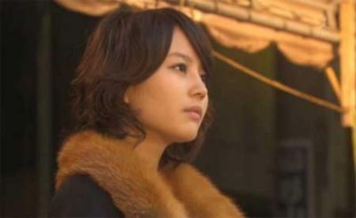 "Maki as ""Sumiyoshi Misuzu"" in Tokuju Kabachi (2010)"