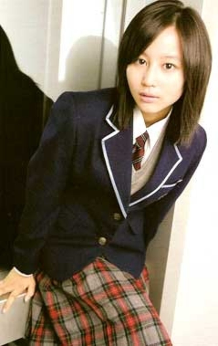 "Maki Horikita as the shy ""Kotani Nobuko"" in Nobuta wo Produce (2005)"