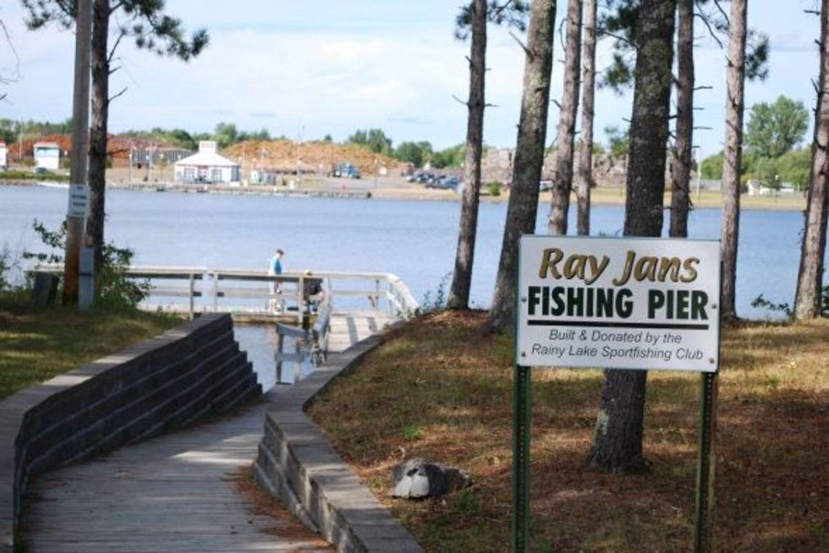 Ray Janz Fishing Pier, Rainy River, International Falls.