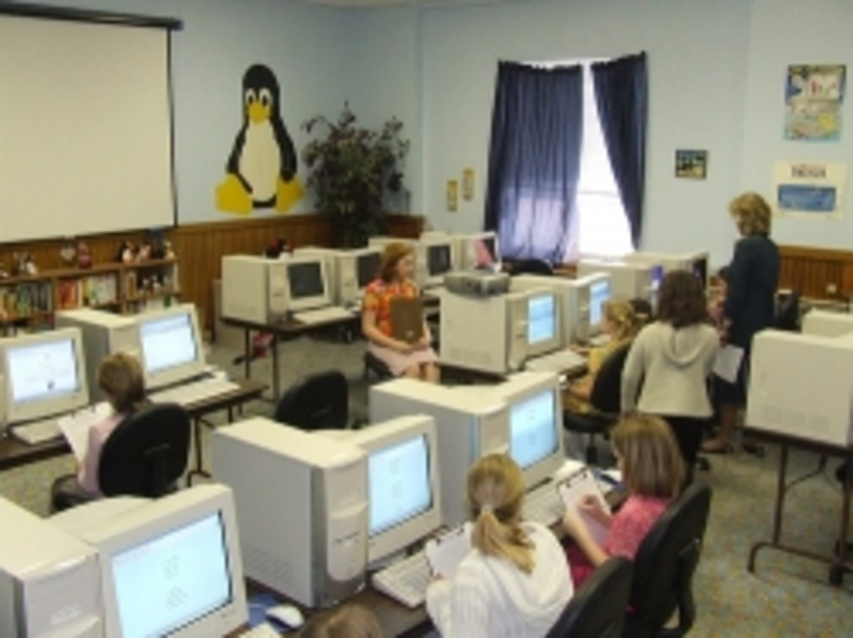 10 year old children using a computer lab