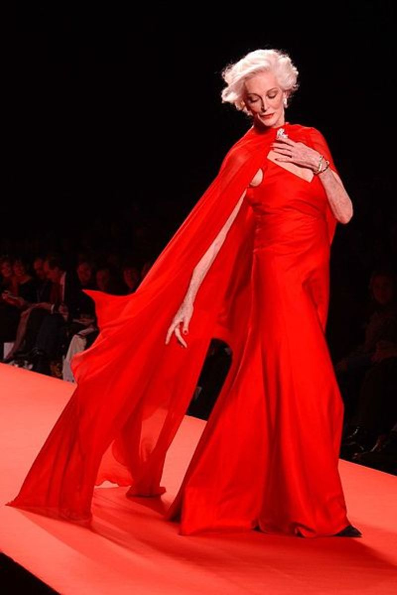 Carmen in the 2005 Red Dress collection.