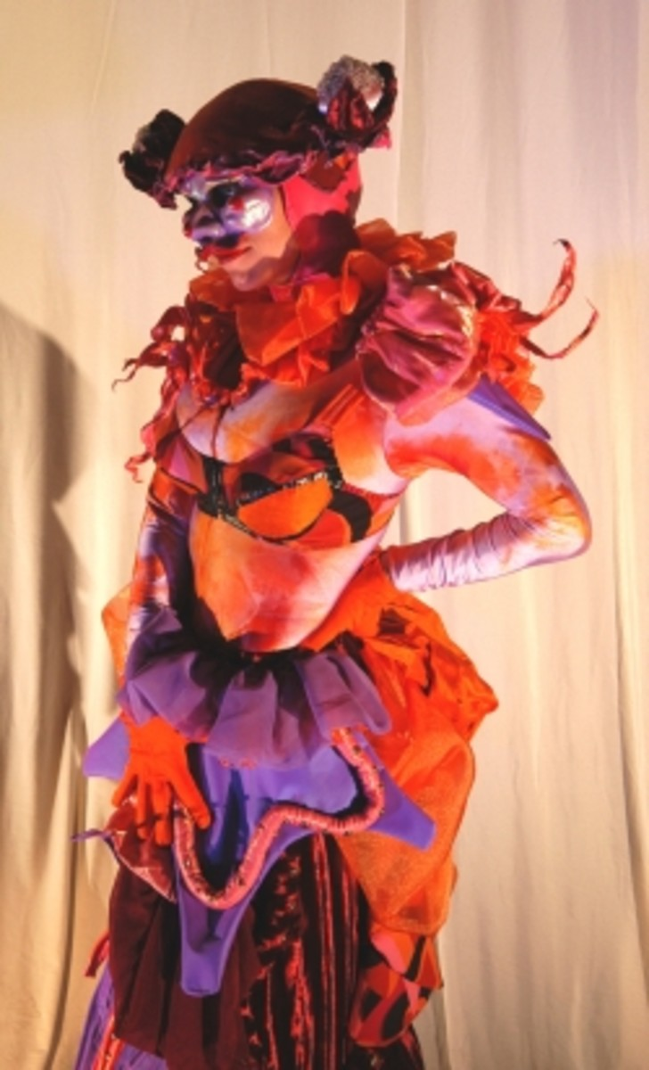 Cantarina, costume by Lynn Dewart for Imagination Entertainment