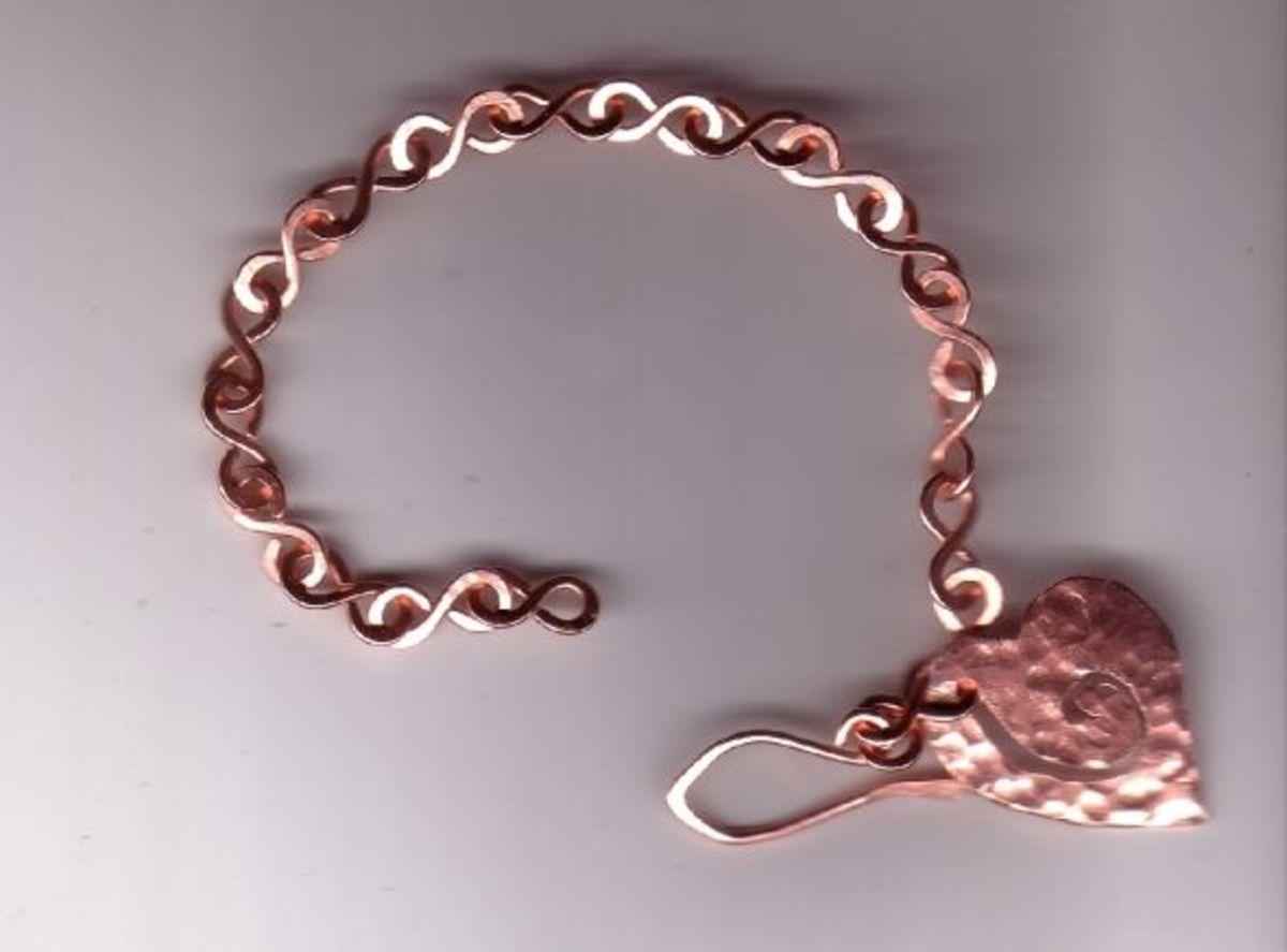 Simple figure 8 bracelet
