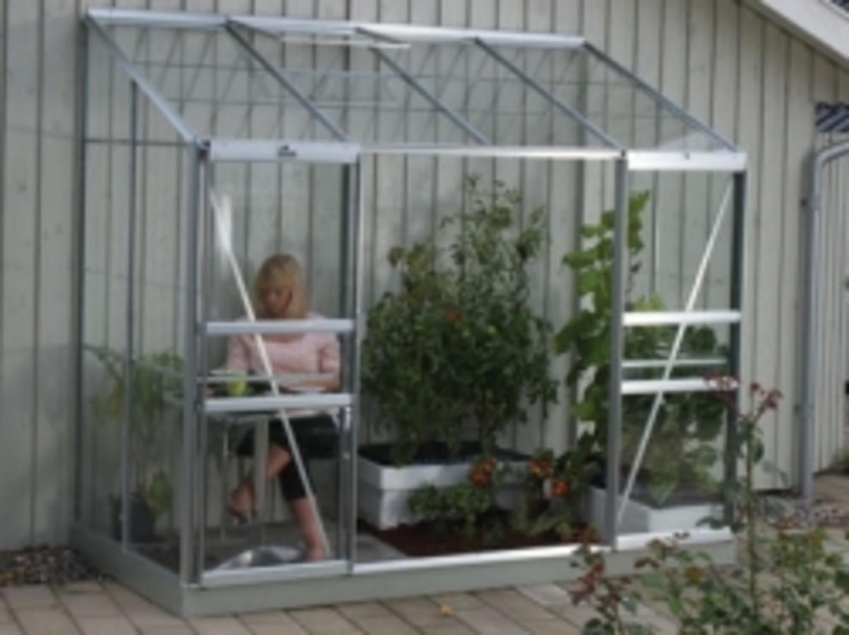 Vitavia Ida Lean to Greenhouse