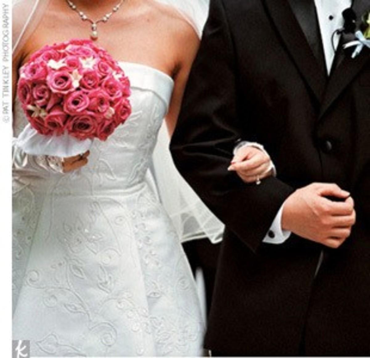 photo credit: weddingbycolor.com