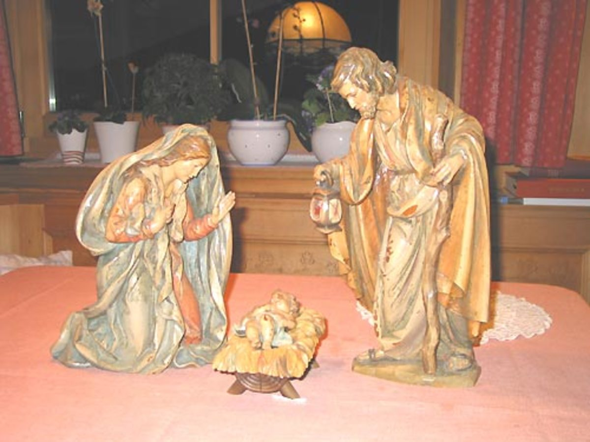 Bernardi Nativity Set - close up of Joseph, Mary and baby Jesus