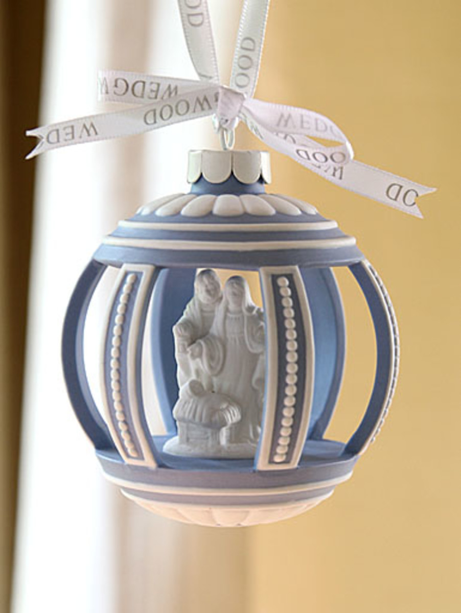 Wedgewood Ornament with Nativity Set