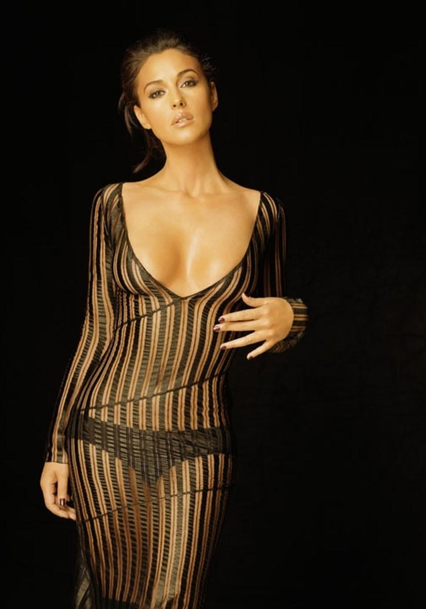 monica-bellucci-in-lingerie
