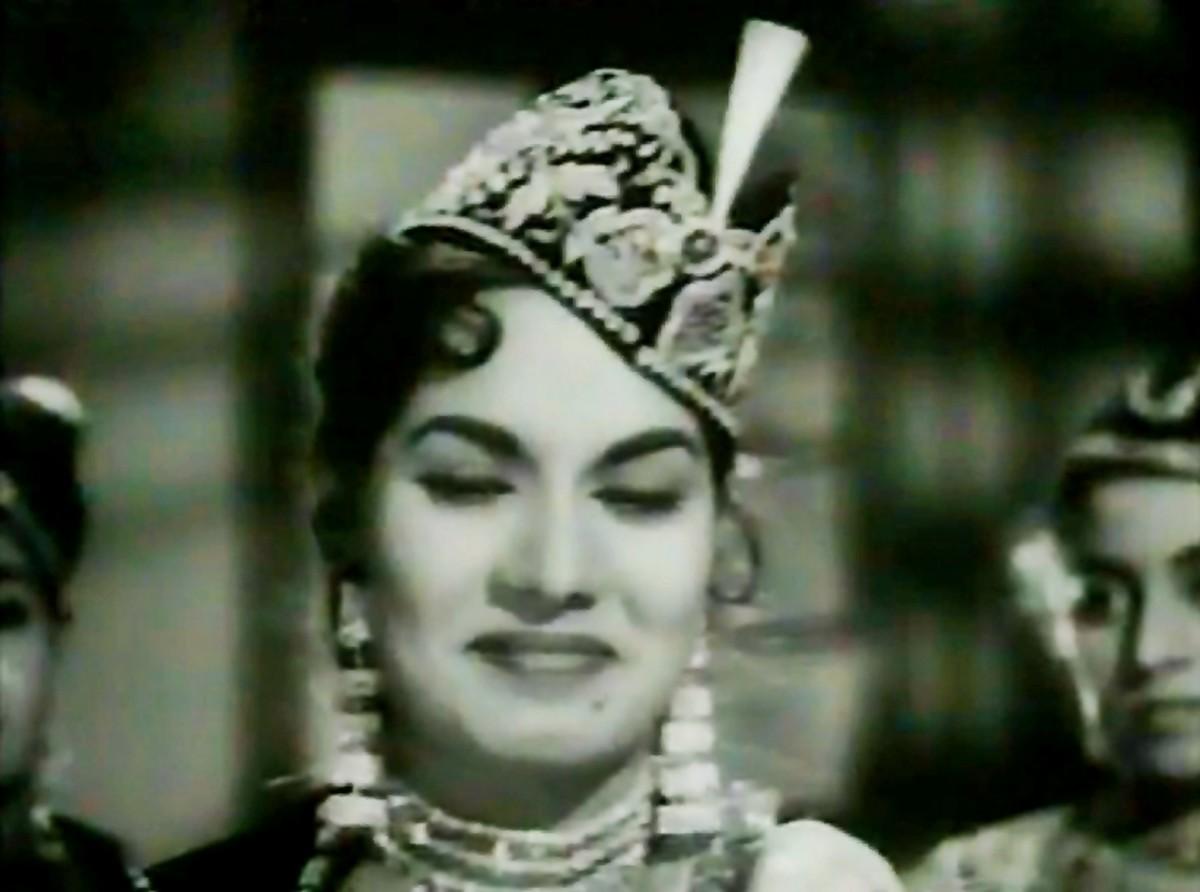 Another great qawwali from 'Barsat ki Raat'