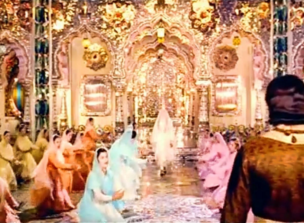 A scintillating qawwali from 'Mughal e Azam'