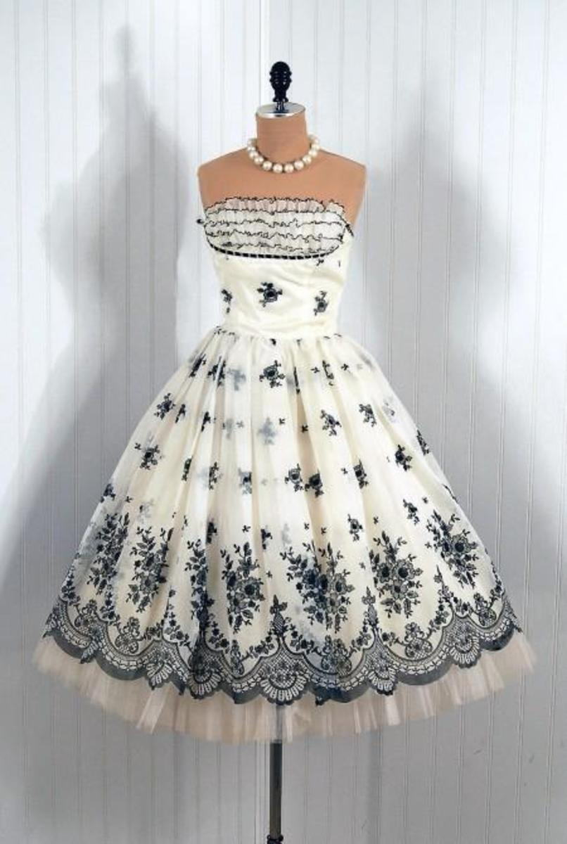 Vintage Dresses From The 40s & 50s!
