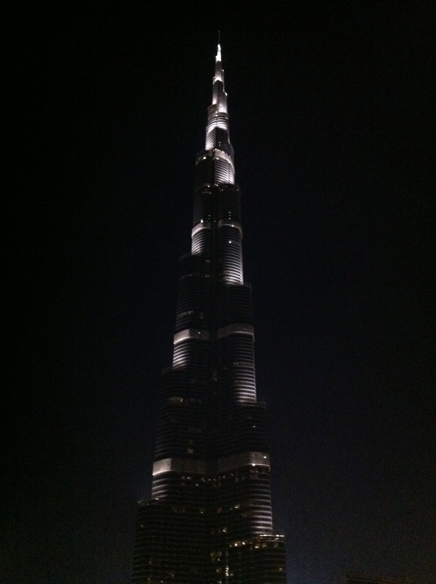The Splendid Burj Khalifa Lighted Up !!
