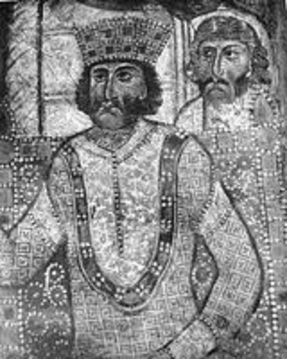 """This mozaik (mosiac) was found in the East.  The man standing behind him may be Galeria, his """"vice president"""" or Maksimijan, his co-ruler as August."""