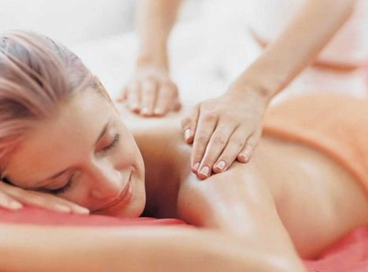 How to massage a girl? Massage tips that will help your girlfriend relax and rejuvenate