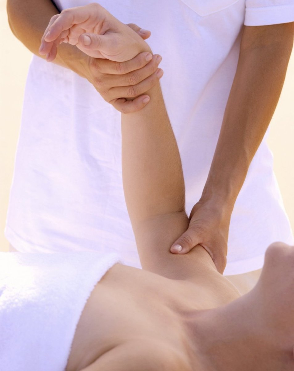 An arm massage may not be the first thing that comes to mind when you think of massaging in general. But it is uber relaxing and feels heavenly.