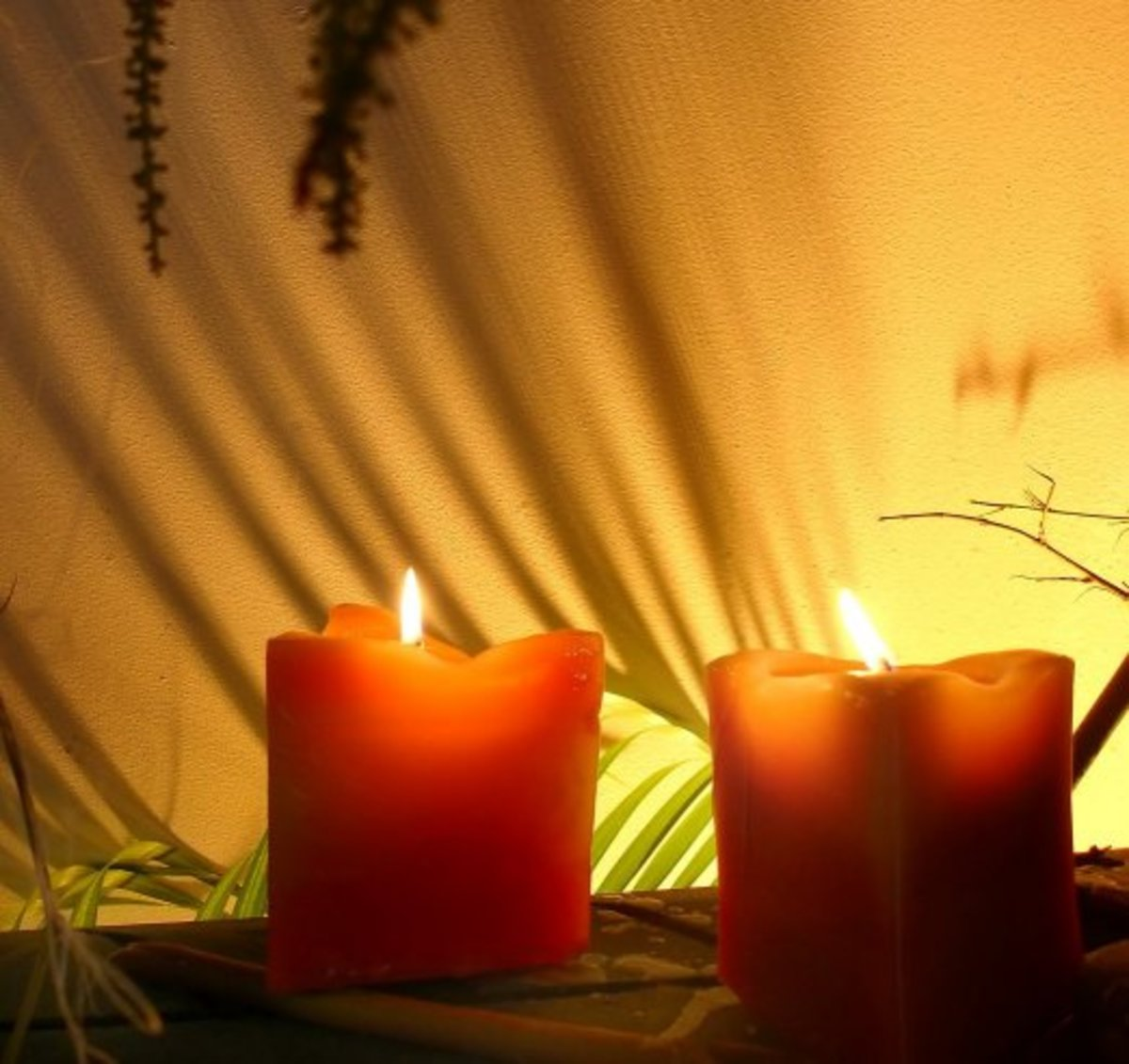 You can add a special touch even to your 5 minute massage by lighting a few candles in the room to make the ambience soothing and relaxing.