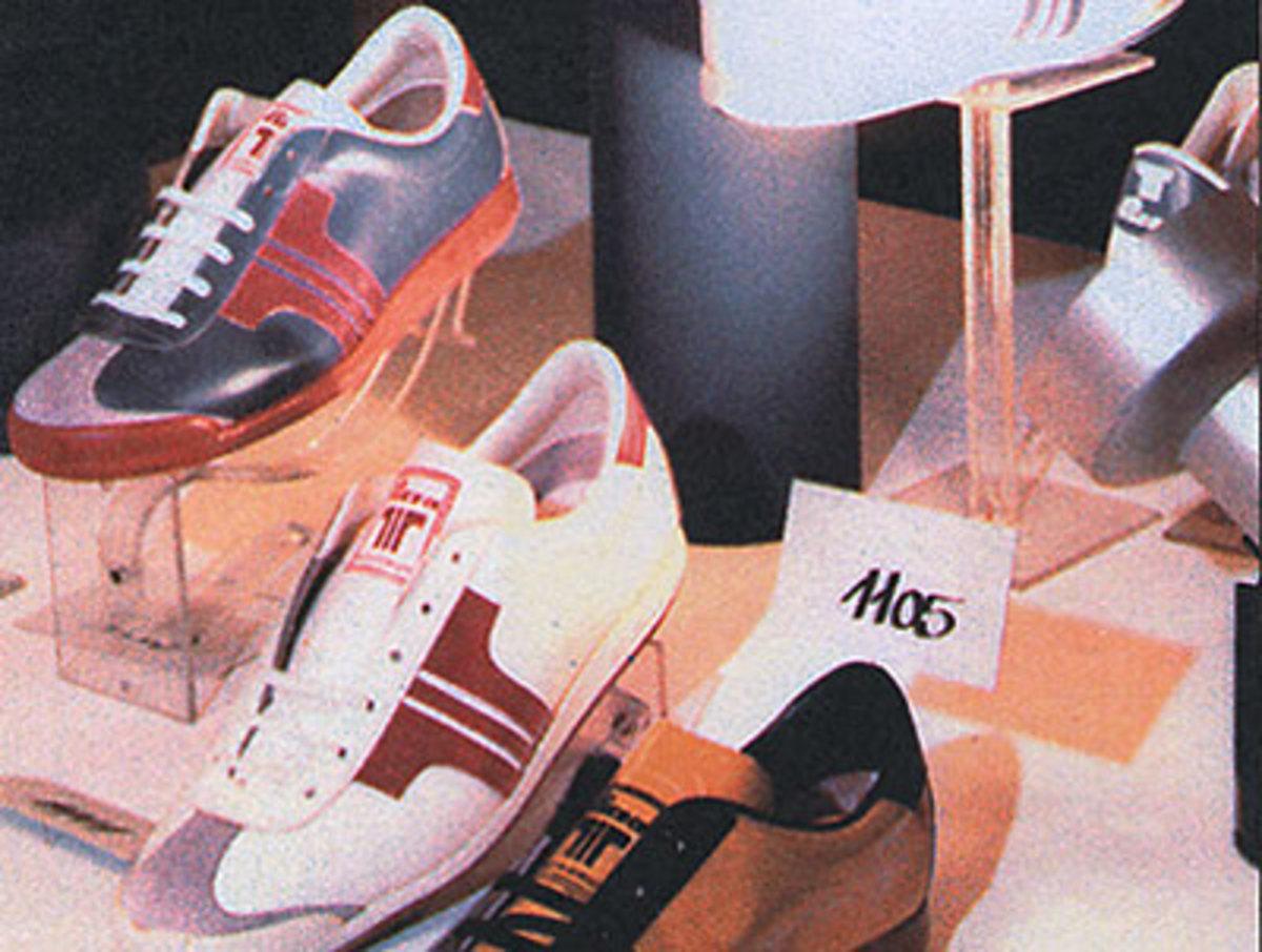 Old Tisza shoe display