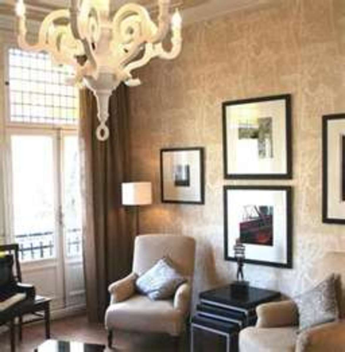 Image credit: http://jokamfamily.com/luxurious-elegant-townhouse-interior-various-finishing.com