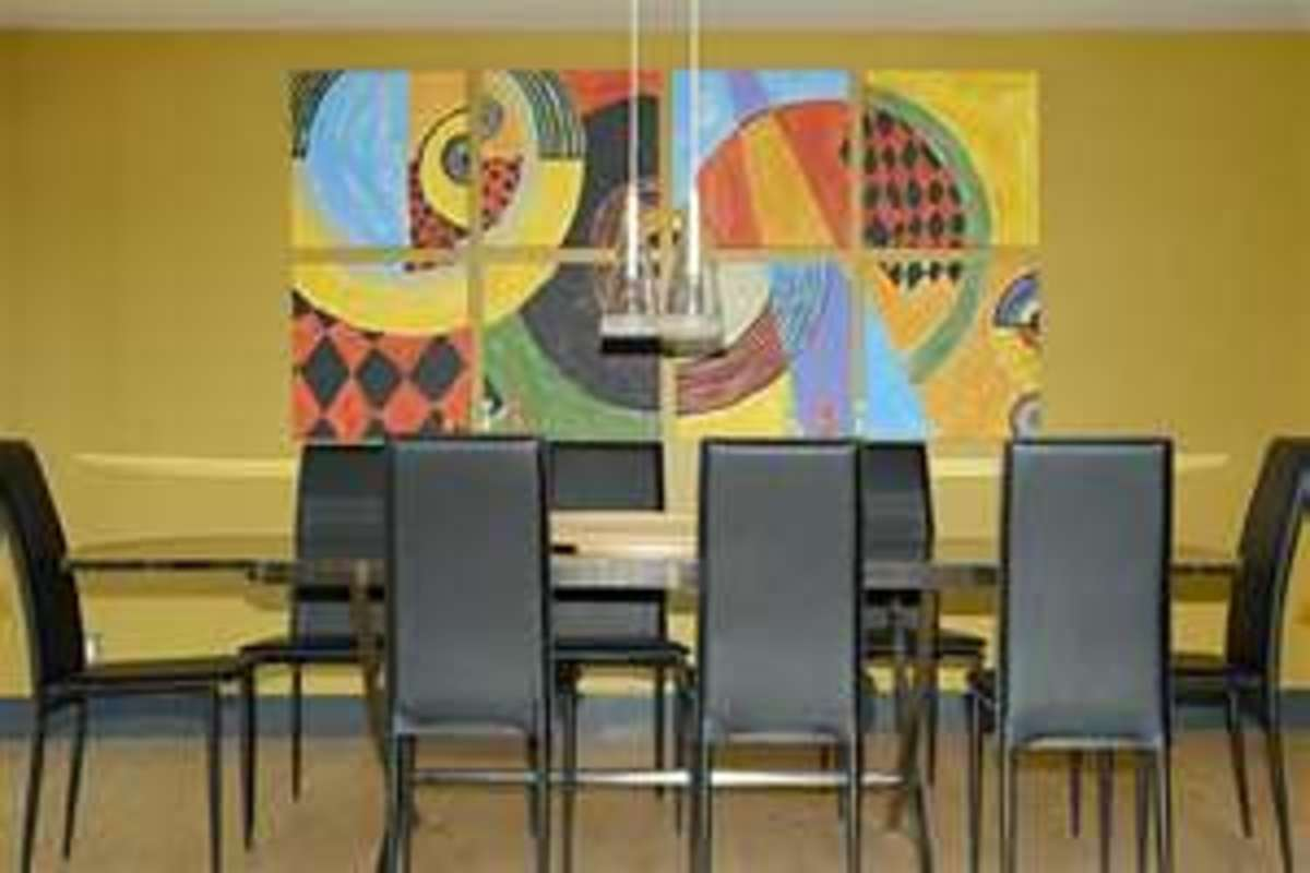 Image credit: http://mengarellioriginals.com/samples/dining-room-lk.htm