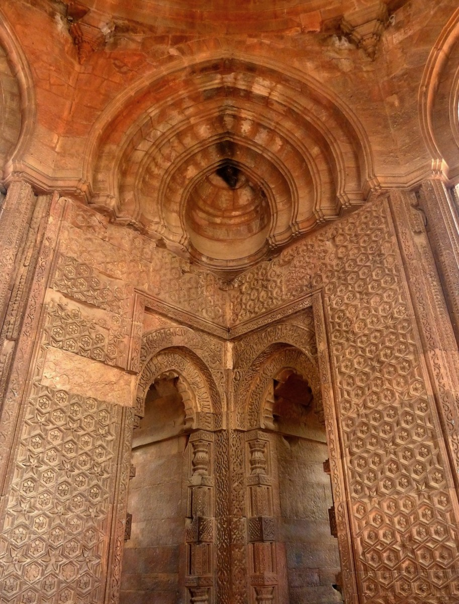 The new idea of the true arch replaced the corbel arch. For example, conquerers began construction of the Quwwatu'I-lslam (Might of Islam) mosque in 1192, after the capture of Delhi by Qutbu'd-Din, 1198 in six years.