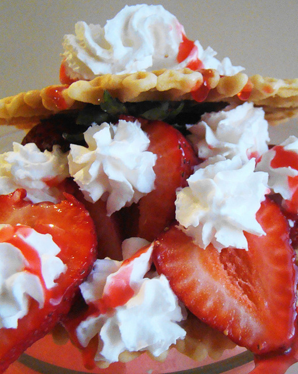Italian Pizzelle Cookies: Creative Dessert Recipes