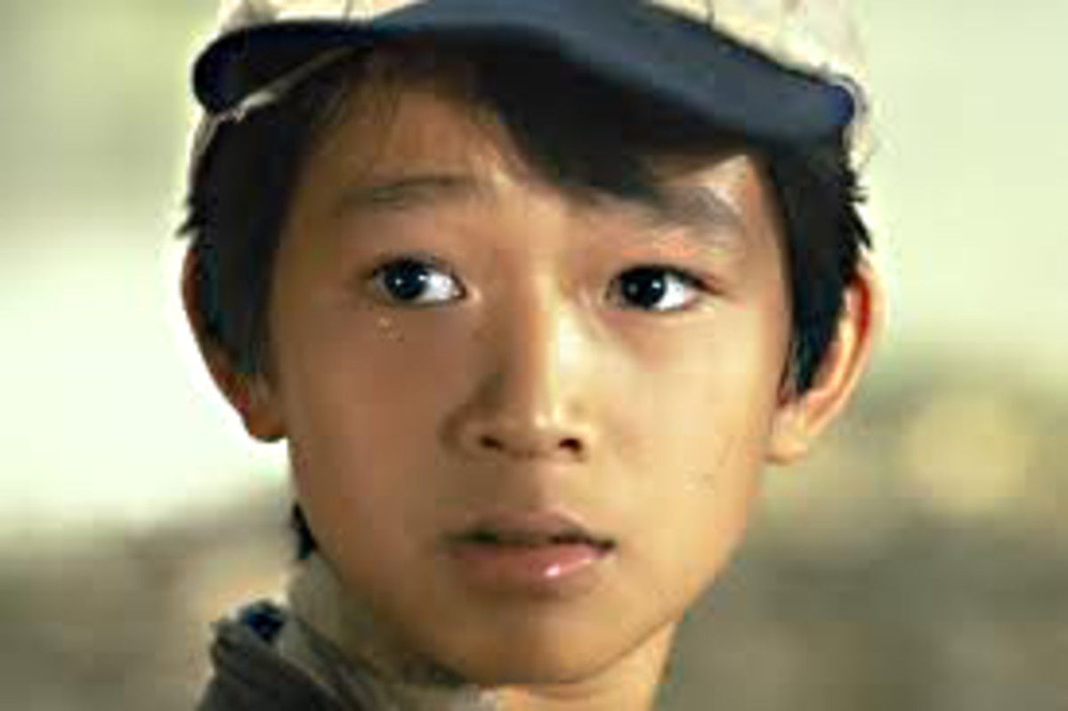 Jonathan Ke Quan as Short Round