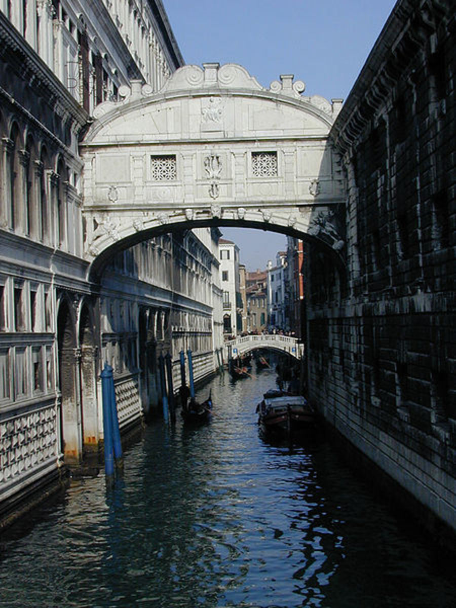 "Ponte de Sospiri, ""Bridge of Sighs"", Venice, Italy."