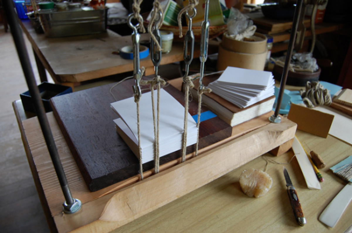 bookbinding-techniques-ideas-instructions-creative-leather-journals