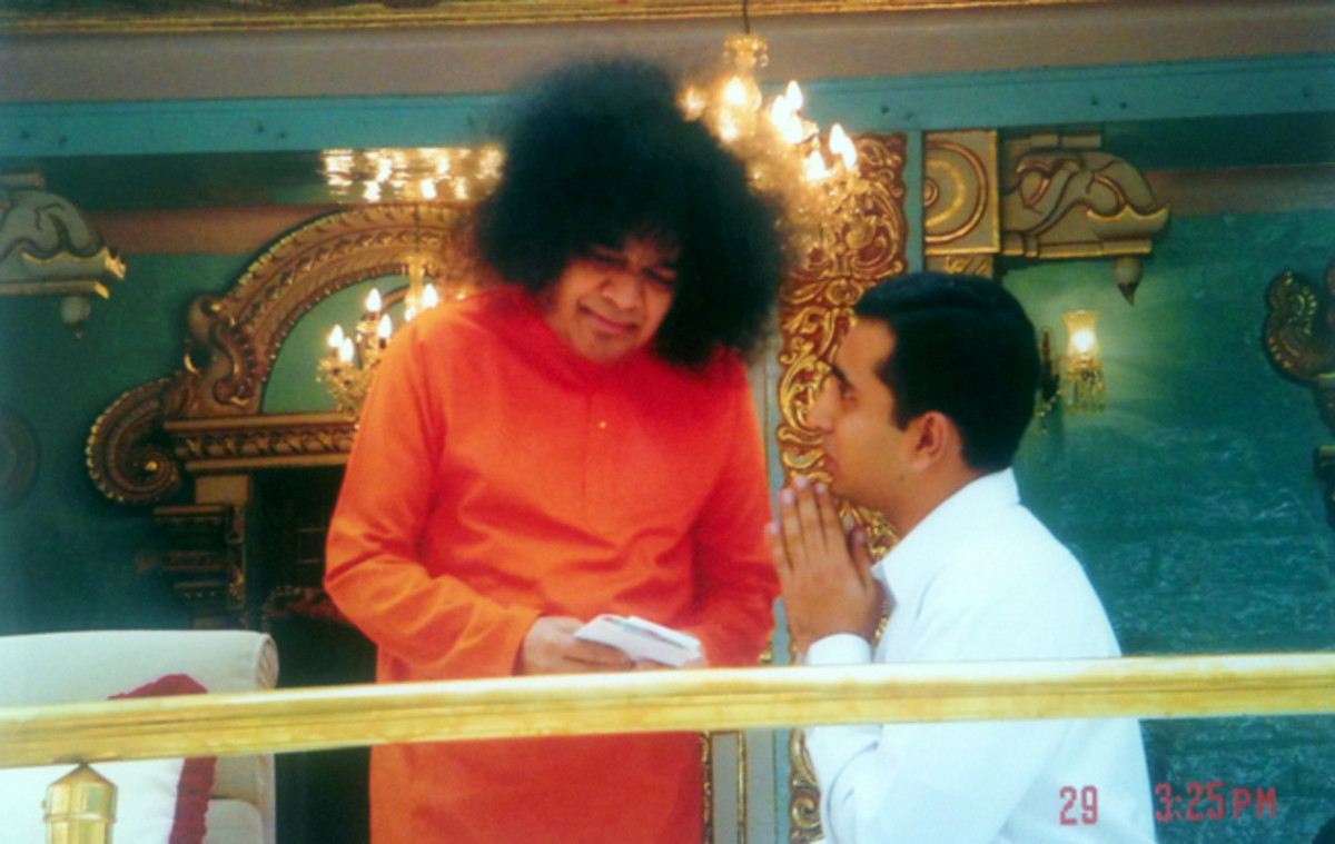 Amey confiding to His beloved Lord and Master, Bhagawan Baba during his MBA days (2003-2005).