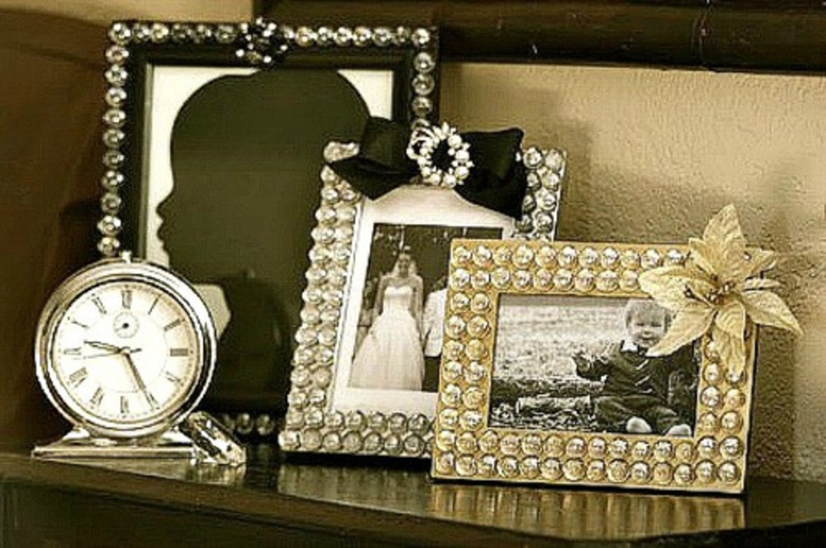 32 Creative Craft Ideas Using Old Picture Frames