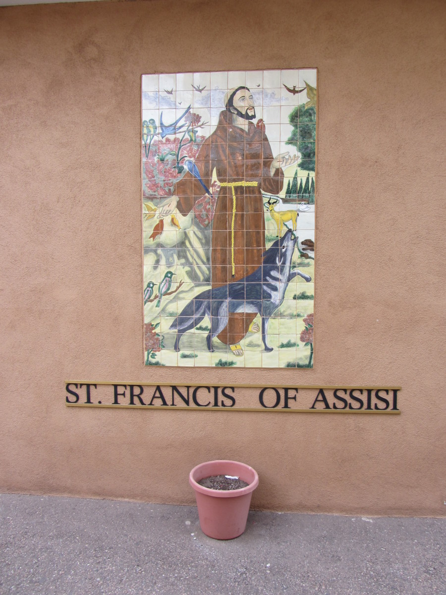 Image of St. Francis of Assisi near the garden