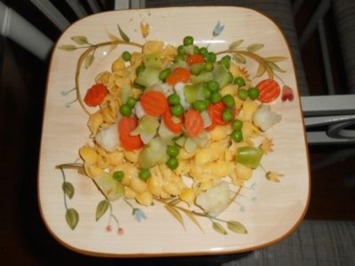 Quinoa Pasta and Mixed Vegetables